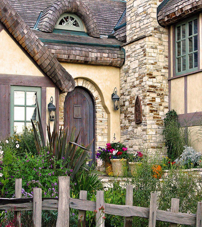 Beautiful french cottage garden design ideas 65
