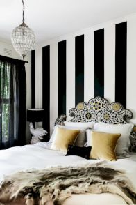 Black and white bedroom furniture 15