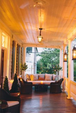 Creative front porch garden design ideas 08