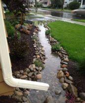 Creative front porch garden design ideas 37