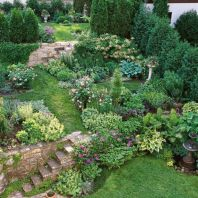 Creative garden design ideas for slopes 34