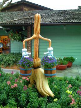 Cute and cool garden art for kids design ideas 17