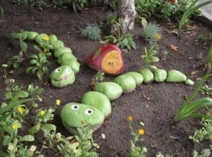 Cute and cool garden art for kids design ideas 38