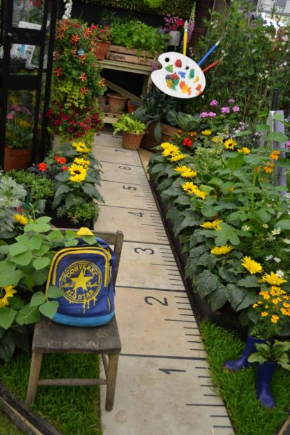 Cute and simple school garden design ideas 05