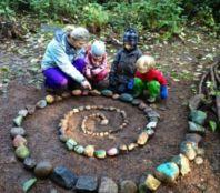 Cute and simple school garden design ideas 14