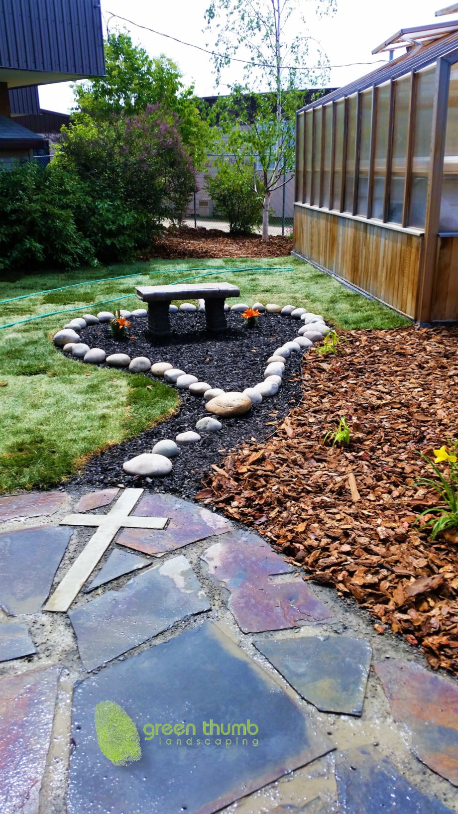 Cute and simple school garden design ideas 16 - ROUNDECOR