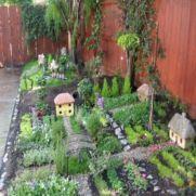 Cute and simple school garden design ideas 20