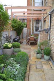 Cute and simple tiny patio garden ideas 11