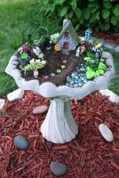 Cute and simple tiny patio garden ideas 27