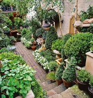 Cute and simple tiny patio garden ideas 52