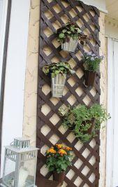 Cute and simple tiny patio garden ideas 79