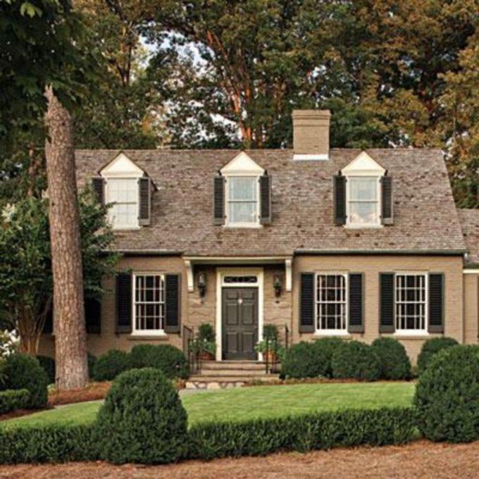 Exterior house colors with brown roof 18