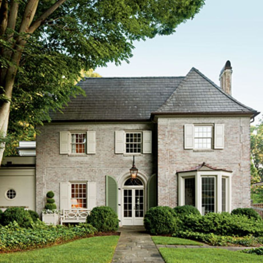 Exterior house colors with brown roof 21