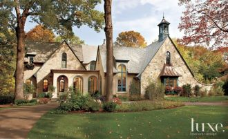 Exterior house colors with brown roof 32