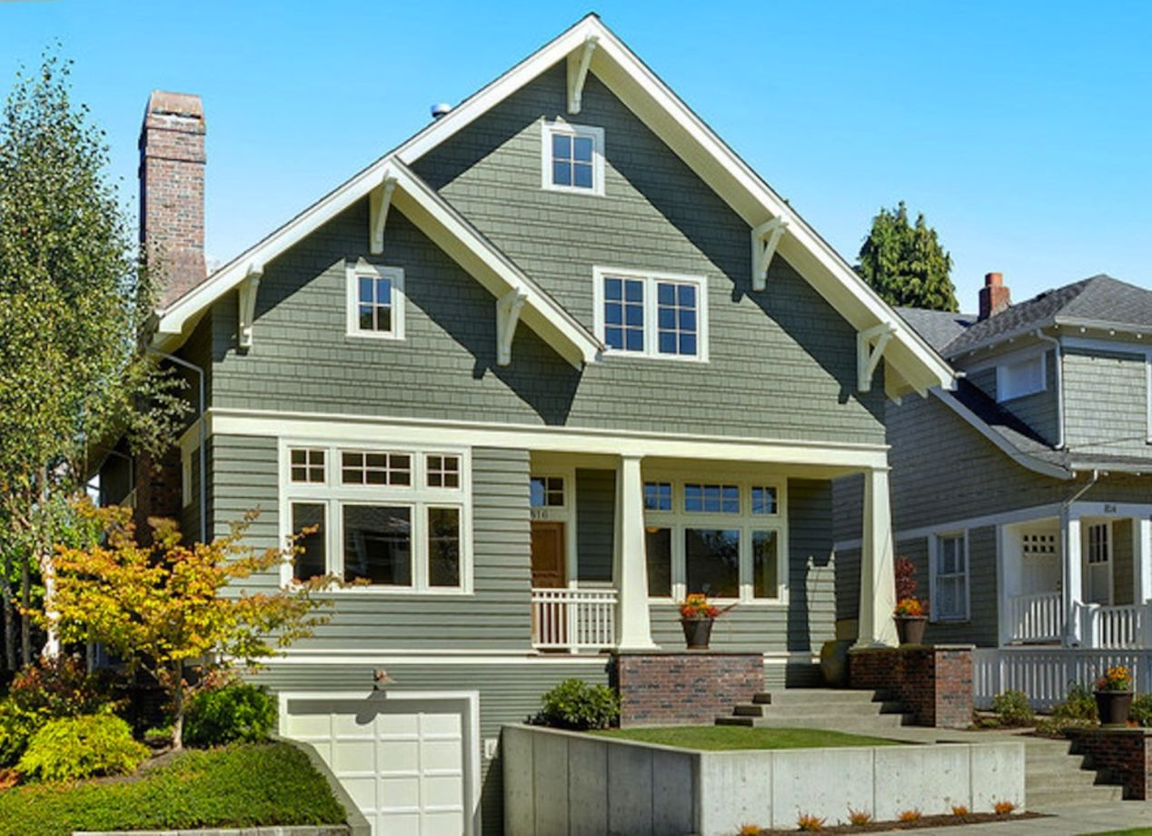 Exterior house colors with brown roof 37