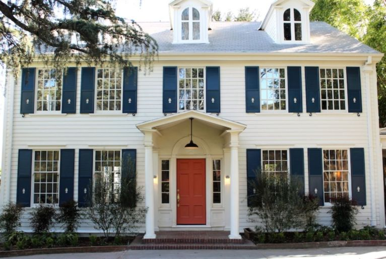 Exterior paint color ideas with red brick 01