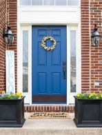 Exterior paint color ideas with red brick 25