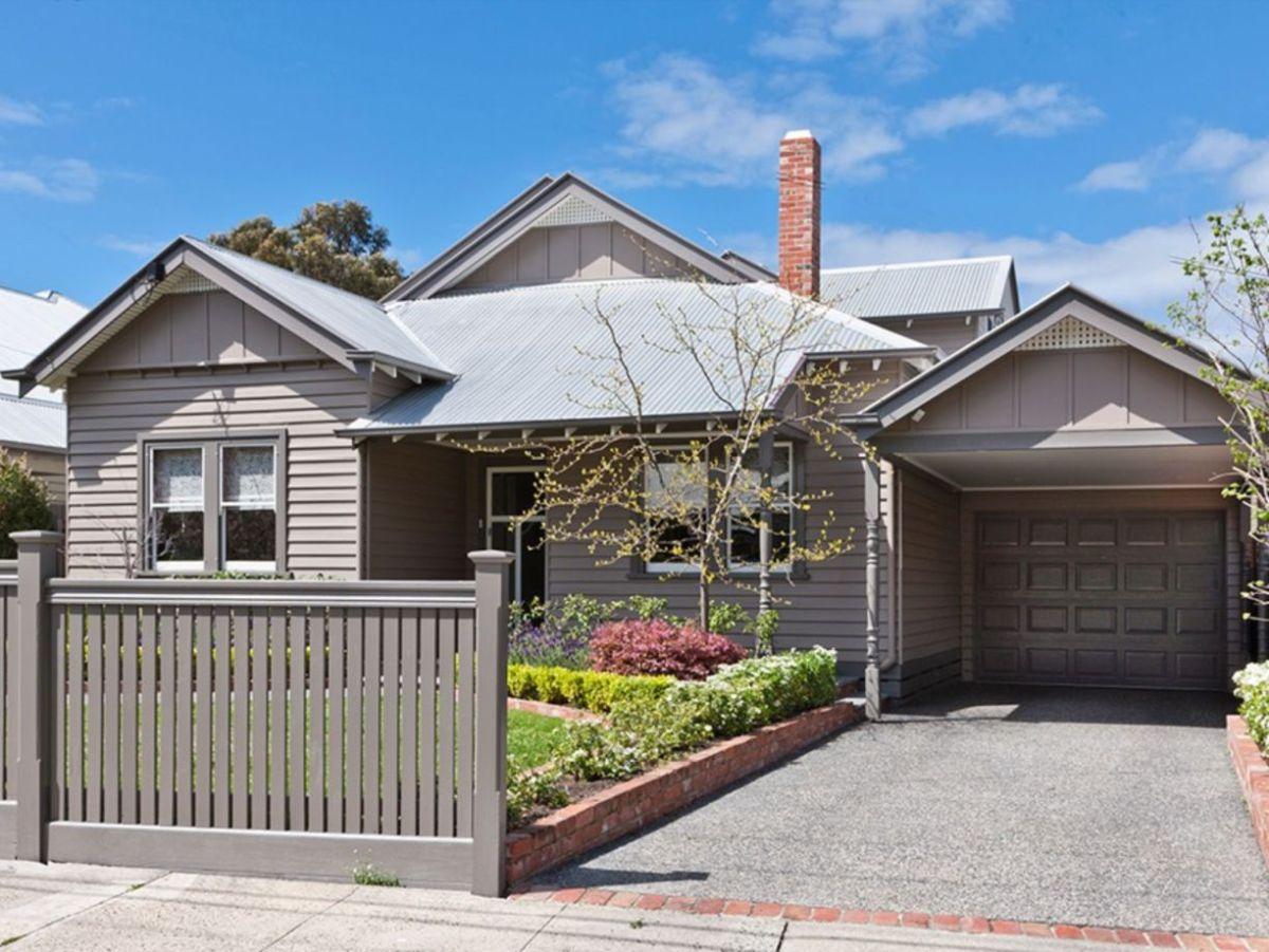 Exterior paint schemes for bungalows 15