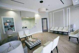 Front office furniture 16