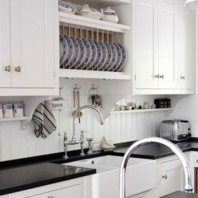 Inspiring black quartz kitchen countertops ideas 03