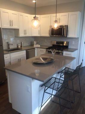 Inspiring black quartz kitchen countertops ideas 08