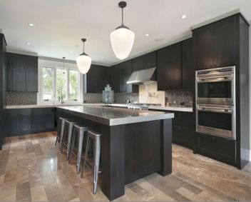 Inspiring black quartz kitchen countertops ideas 13