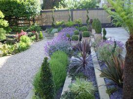 Inspiring small front garden ideas on a budget 13