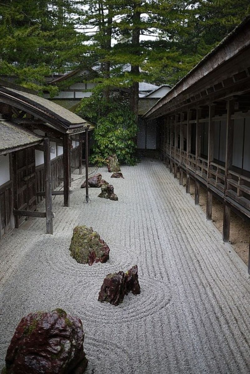 Inspiring small japanese garden design ideas 31