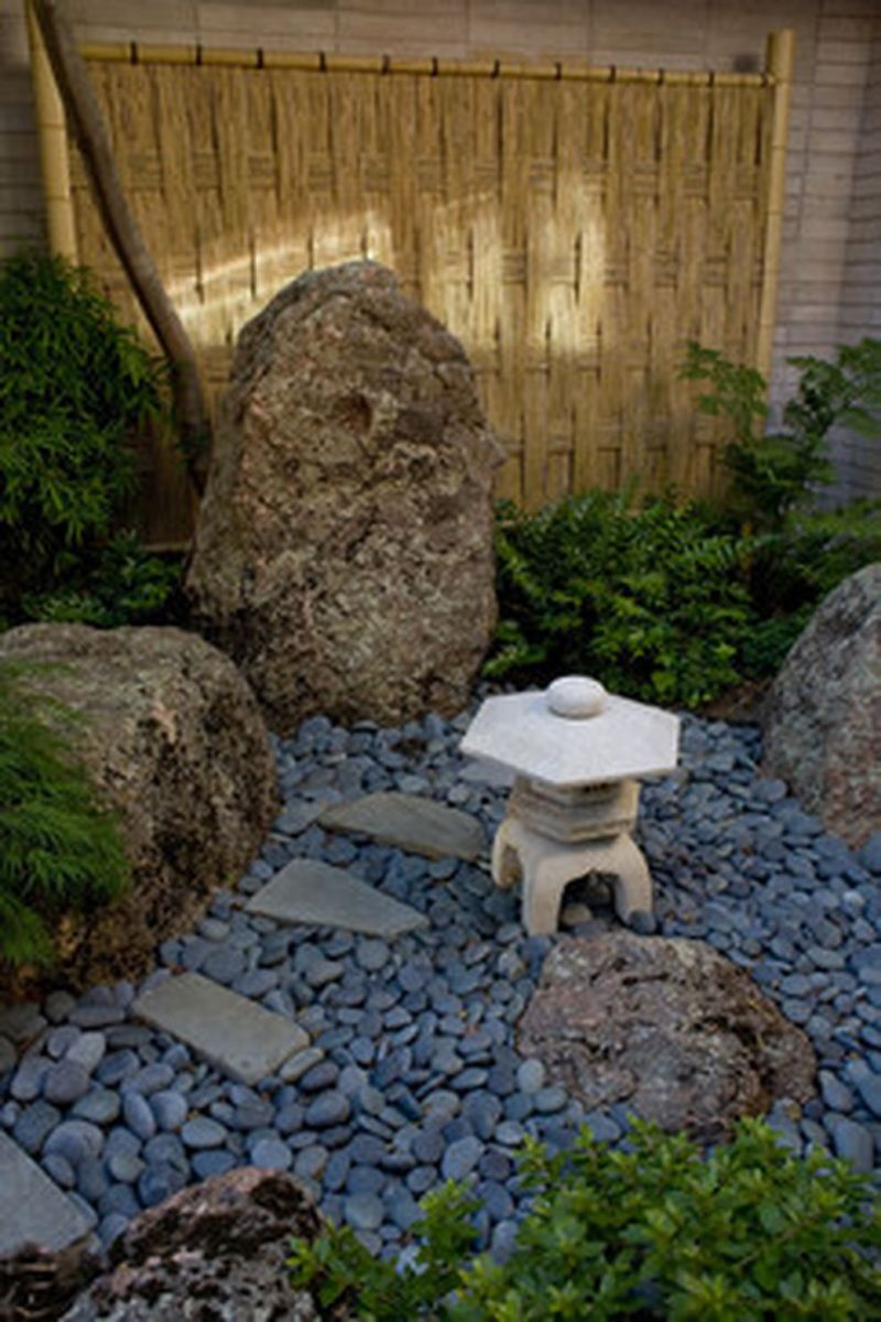 Inspiring small japanese garden design ideas 32