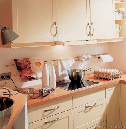 Modern cream painted kitchen cabinets ideas 51