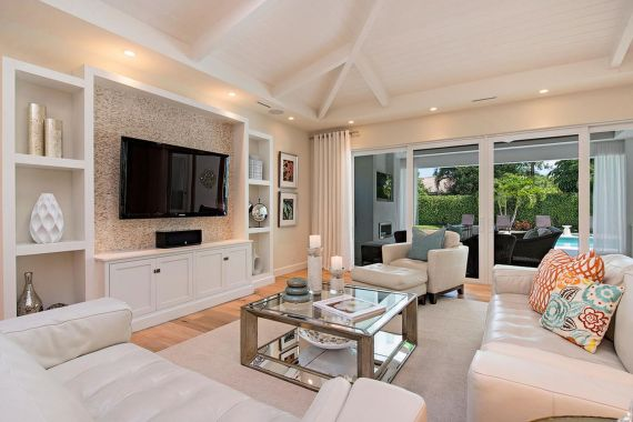 Simple living room design ideas with tv 27