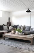 Simple and comfortable living room ideas 36