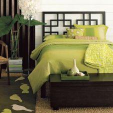 Stylish dark green walls in living room design ideas 36