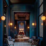 Stylish dark green walls in living room design ideas 60