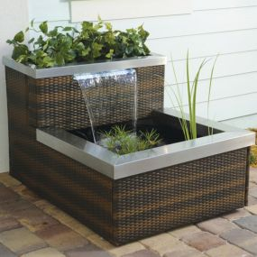 Stylish outdoor garden water fountains ideas 16