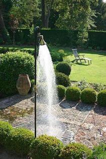 Stylish outdoor garden water fountains ideas 22