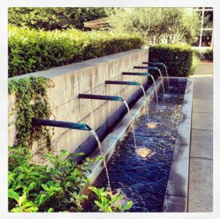 Stylish outdoor garden water fountains ideas 29