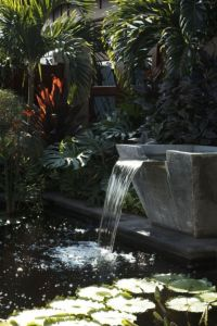 Stylish outdoor garden water fountains ideas 49