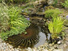 Stylish outdoor garden water fountains ideas 58