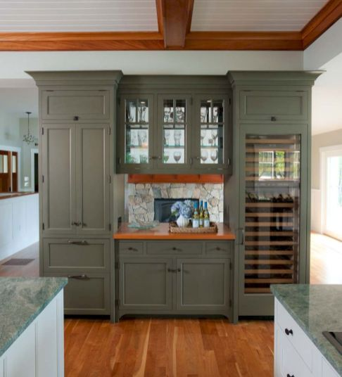 Amazing stand alone kitchen pantry design ideas (45)
