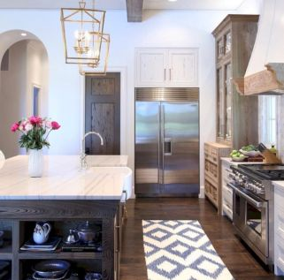 Amazing stand alone kitchen pantry design ideas (46)