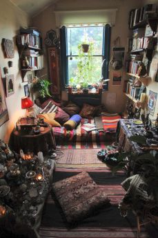 Cozy bohemian teenage girls bedroom ideas (43)