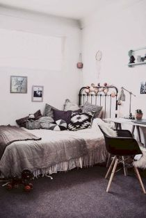 Cozy bohemian teenage girls bedroom ideas (48)