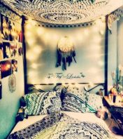 Cozy bohemian teenage girls bedroom ideas (59)