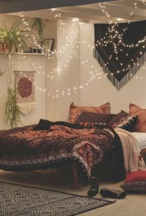 Cozy bohemian teenage girls bedroom ideas (60)