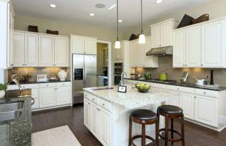 Inspiring u shaped kitchen ideas with breakfast bar (10)