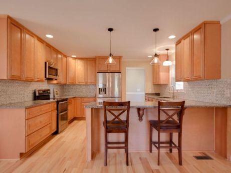 Inspiring u shaped kitchen ideas with breakfast bar (16)