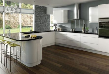 Inspiring u shaped kitchen ideas with breakfast bar (26)