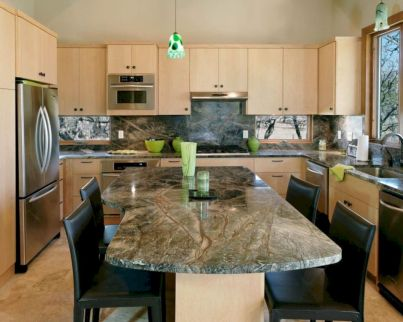 Inspiring u shaped kitchen ideas with breakfast bar (27)