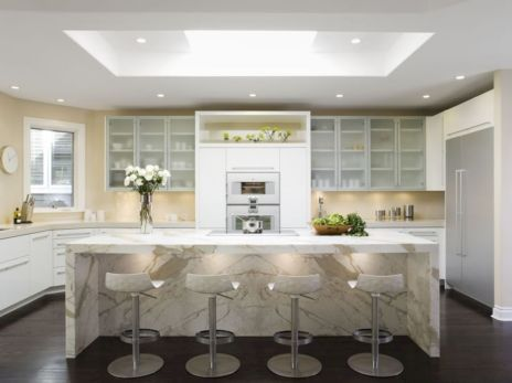 Inspiring u shaped kitchen ideas with breakfast bar (6)